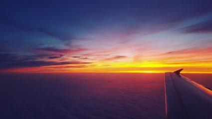 Vacances : l'avion est-il vraiment le mode de transport le plus polluant ?